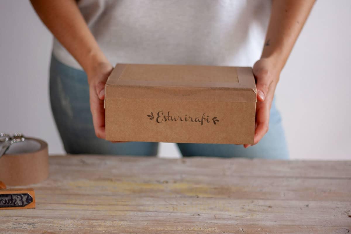caja envio esturirafi sin plastico