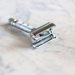 Maquinilla de afeitar reutilizable apertura mariposa - Cromo
