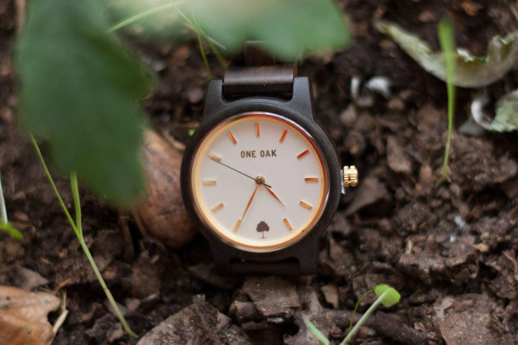 one oak relojes madera