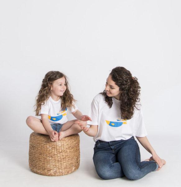 madre e hija iguales_camiseta peces