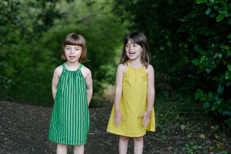 moda sostenible niños vestidos colores