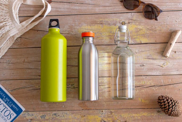 Botellas reutilizables. ¿Plástico, vidrio, aluminio o acero inoxidable?